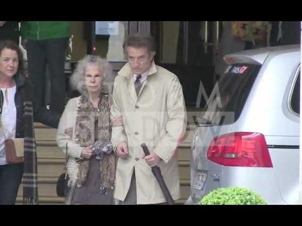 85 year old Duchess of Alba on a honeymoon trip in Paris