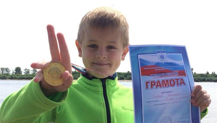 Шестилетний томич за час преодолел заплыв на 2,3 км по Томи в Северске