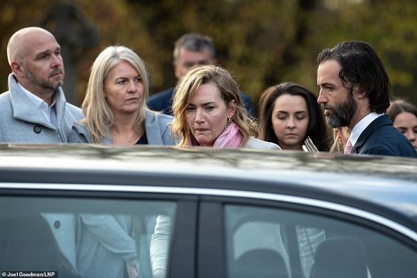 Кейт Уинслет с мужем Сьюки Уотерхаус и Робер ПаттинсонЖозефин Скривер