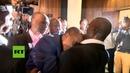Diputados de Uganda terminan la sesión parlamentaria a golpes