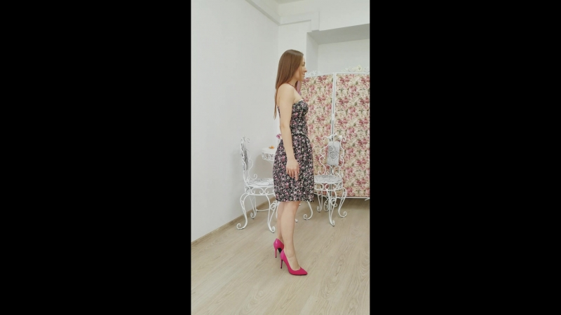 Платье джинсовое с открытыми плечами
