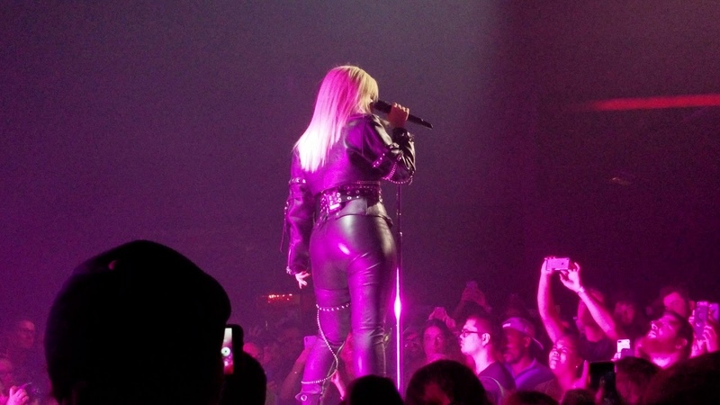 Bebe Rexha - I'm a Mess (Live at @Apple Music)
