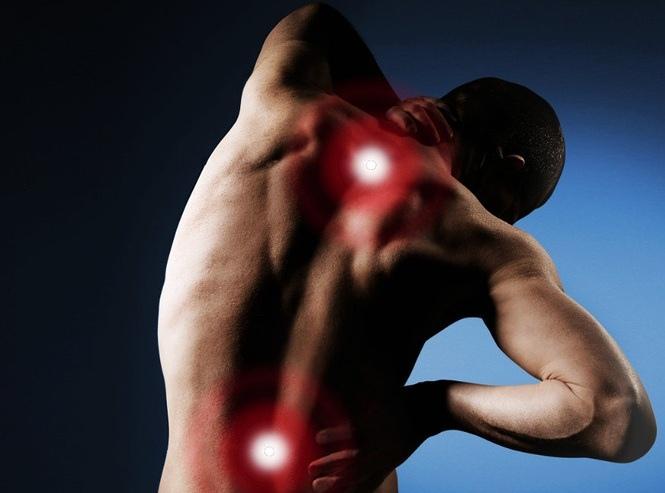 Каковы общие причины боли в левой части спине?