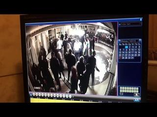 Мужчина погиб после драки у ресторана в новогоднюю ночь в Караганде