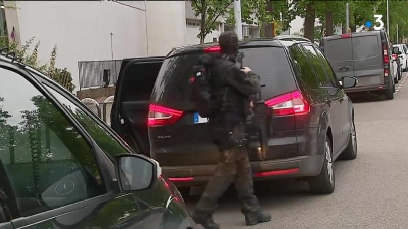 Attaque au couteau à Paris - lami de lassaillant interpellé à Strasbourg par la DGSI
