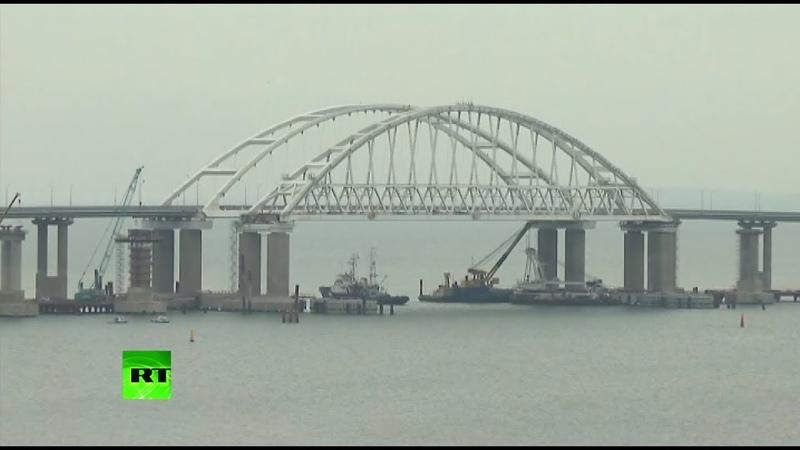 Аксёнов назвал ржавыми корытами украинские корабли прошедшие под Крымским мостом