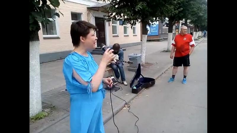Гатчинская певица на ул Соборная