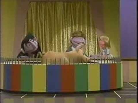 Classic Sesame Street SQUEAL OF FORTUNE