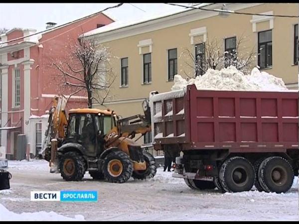Снегопад превратил дороги Ярославля в ледяные кочки