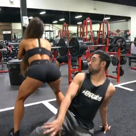 "Gymfuckery™ on Instagram: ""jealous boyfriend at the gym😂 the dog tho 😂😂😂 - - 🅵🅾🅻🅻🅾🆆 @GymFuckery @GymFuckeryTV @GenerationIronOfficial @Squat_Wolf -..."