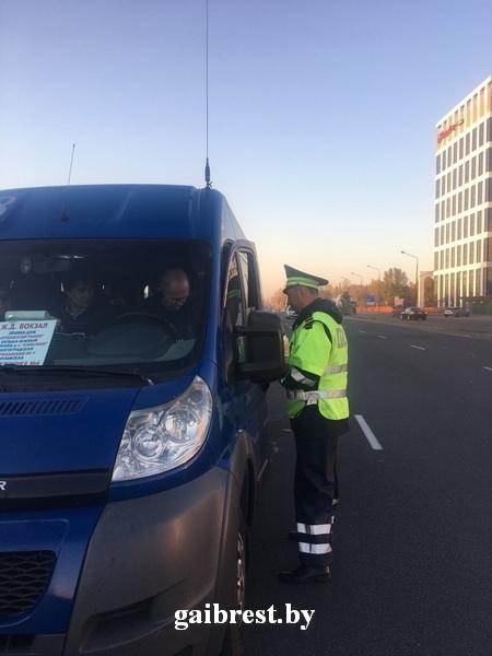 """ГАИ проверила, как водители """"маршруток"""" осуществляют перевозку пассажиров"""