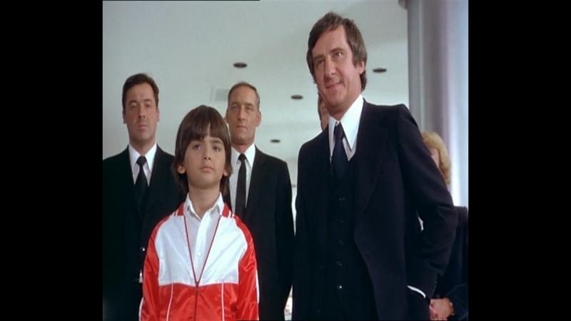 Ублажение избалованного сопляка - Игрушка (1976) [отрывок / сцена / момент]