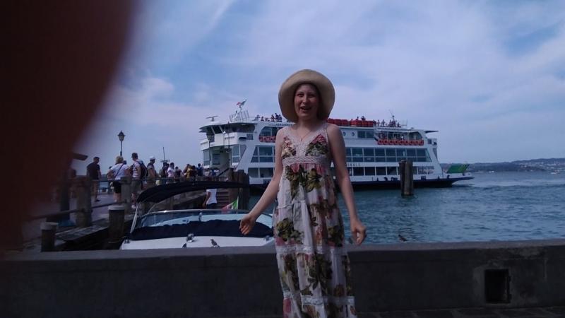 Я у тёти в гостях в Италии городе Сирмионе