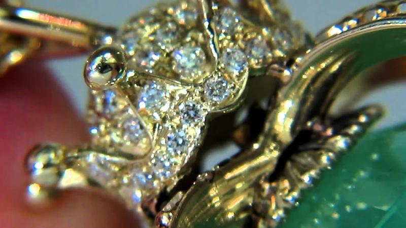 AvisDiamond: GIA Emerald Scepter Pendant