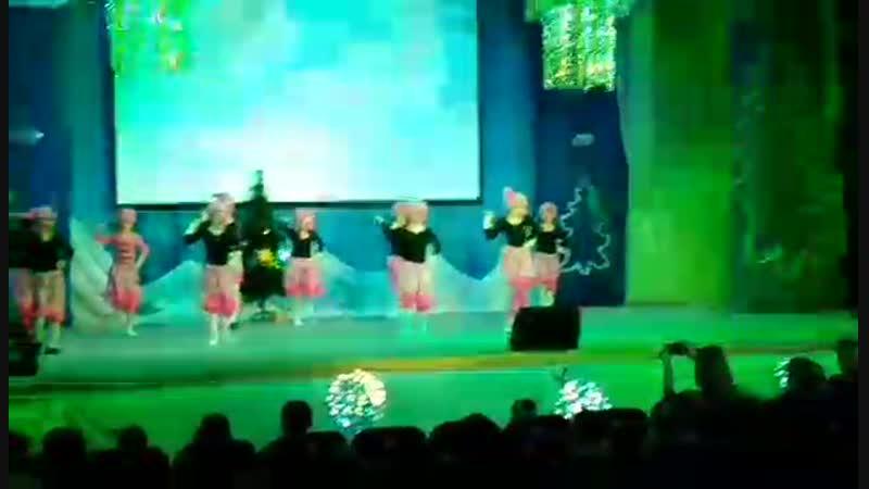 Video-117706f6cd09ed34c1b8bd9b6e583772-V.mp4