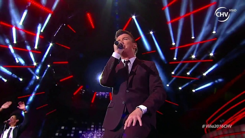 Rick Astley - Never Gonna Give You Up Live Chile 2016