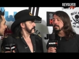 Dave Grohl and Lemmy goofing off backstage at Revolver Golden Gods 2010