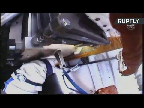 Выход россиян Прокопьева и Кононенко в открытый космос — LIVE