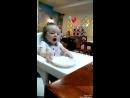Елизавета Никитична кушает праздничный торт 🦊1️⃣😘🎉🎂😋🎉