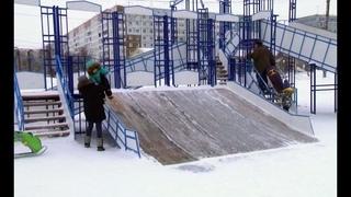 Минус шесть болтов: вандалы разрушают горку на площади Босовой