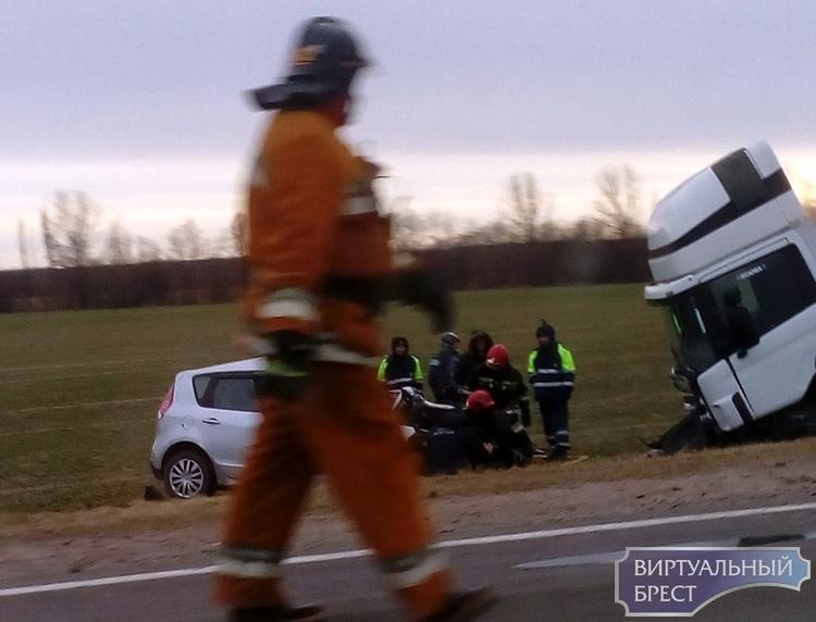 В Кобринском районе лобовое ДТП: погиб водитель легковушки