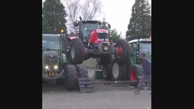 Самый проходимый внедорожник это трактор,👍