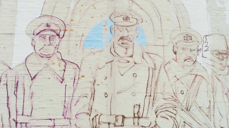 В Киеве возле Дворца Украина рождается новый мурал видео с высоты