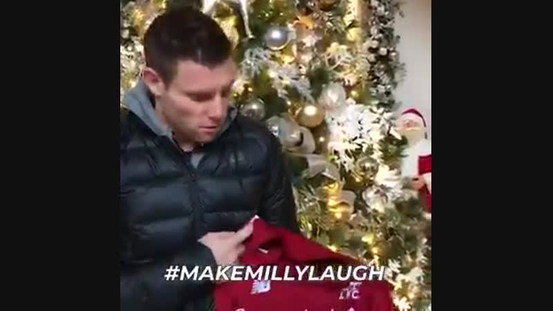 Christmas giveaway! Thanks for the great welcome to social media - make me laugh win the LFC shirt I wore in the PSG win... use