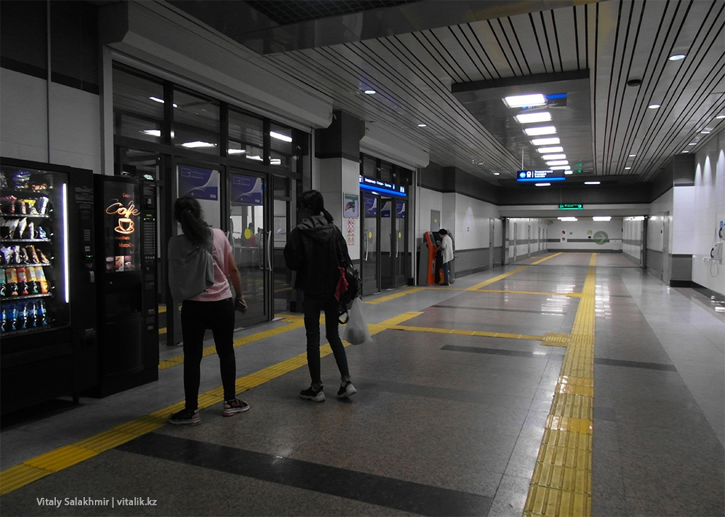 Подземный переход станции Москва, метро Алматы 2018