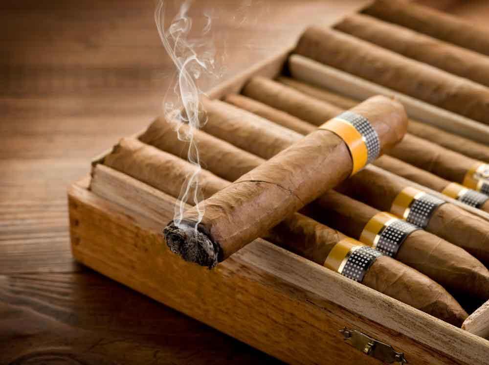 Настоящие кубинские сигары должны быть хорошо прокатаны и иметь равномерную длину