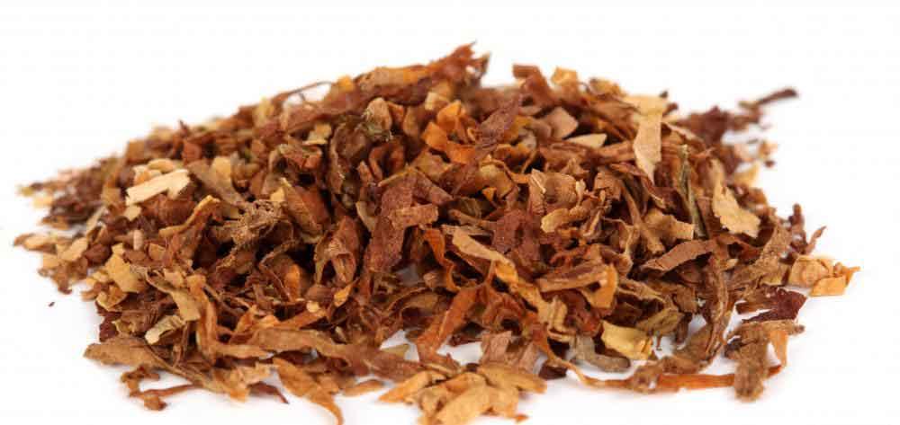 Если кусочки табака выпадают из «кубинской» сигары, сигара считается подделкой.