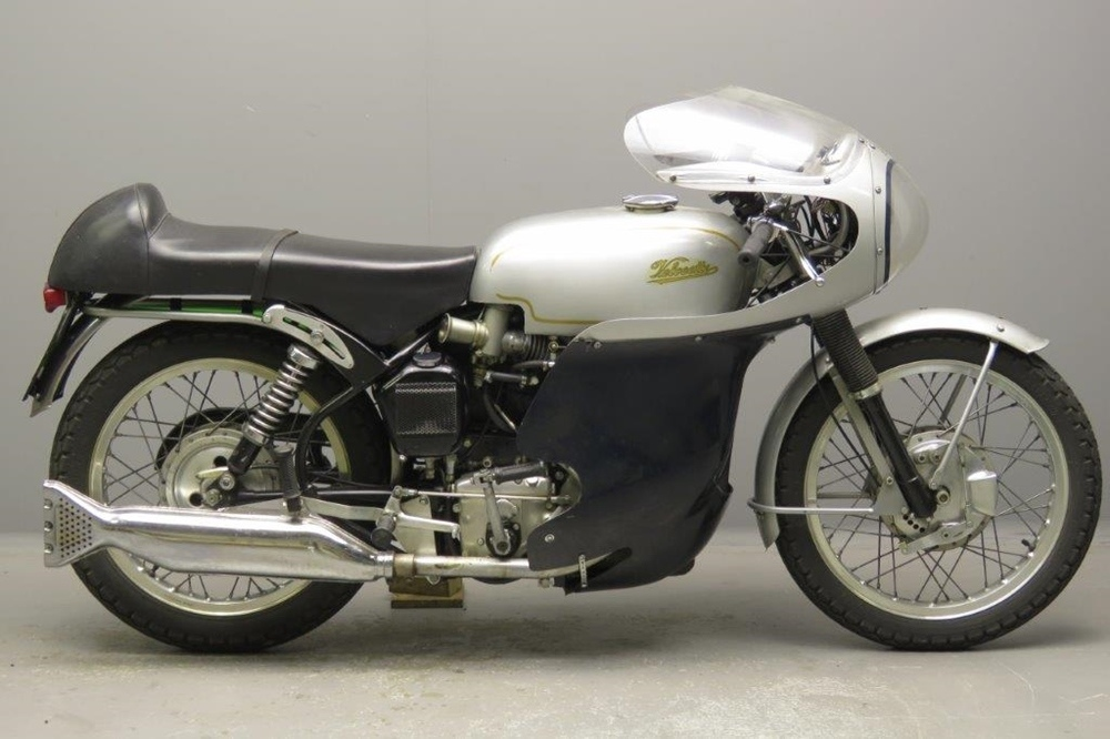 Гоночный мотоцикл Velocette Thruxton 1968