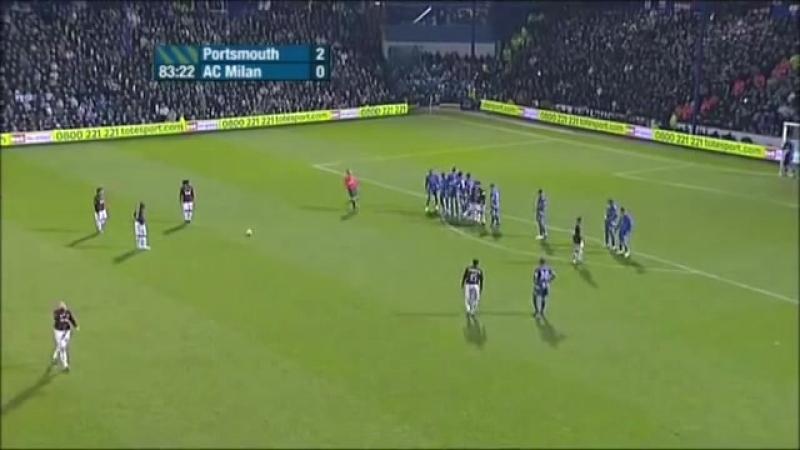 Гол Рональдиньо со штрафного в Кубке УЕФА против Портсмута