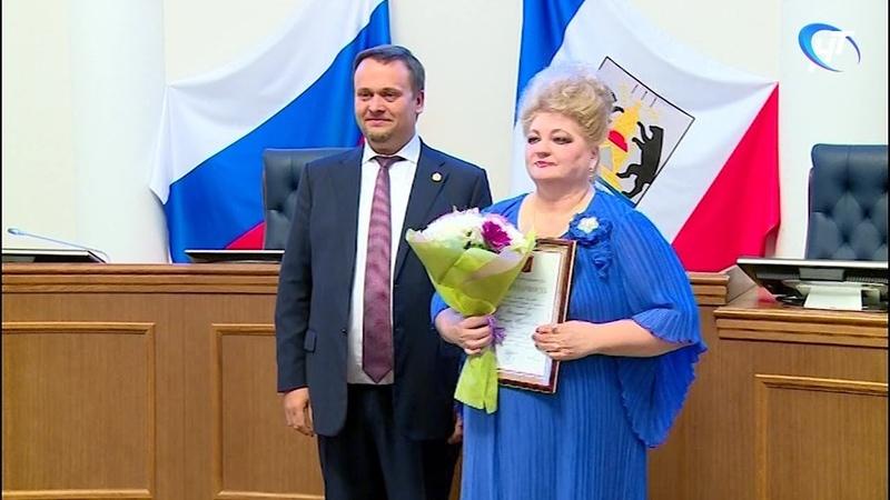 Представителям различных сфер деятельности вручили федеральные и областные награды