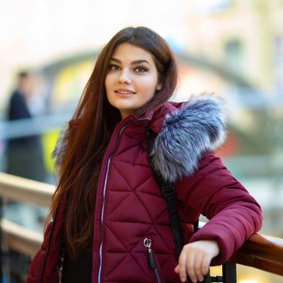 Анна Бондарева