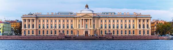Ноябрь 1764. В Петербурге учреждённая семью годами ранее Академия трёх знатнейших художеств преобразуется в Российскую императорскую Академию художеств.Также в 1764 году Екатерина II утвердила