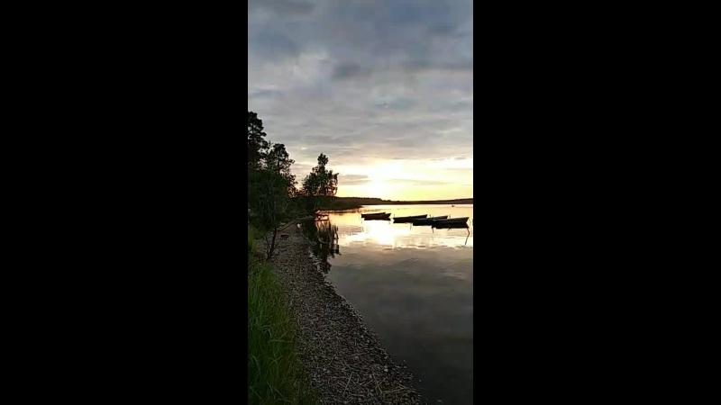 ужин у озера