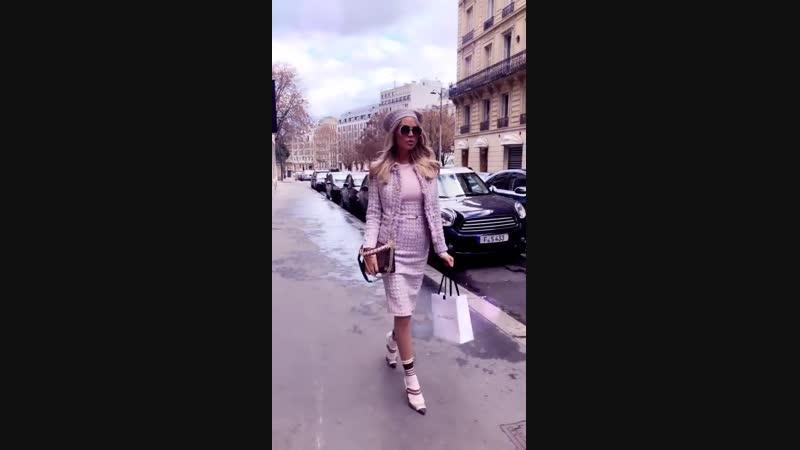 Мария Погребняк в Париже. Туфли на носки
