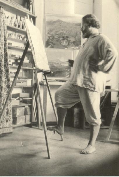 Максимилиан Волошин О САМОМ СЕБЕ В ранние годы я не прошел никакого специально живописного воспитания и не был ни в какой рисовальной школе, и теперь рассматриваю это как большое счастье - это