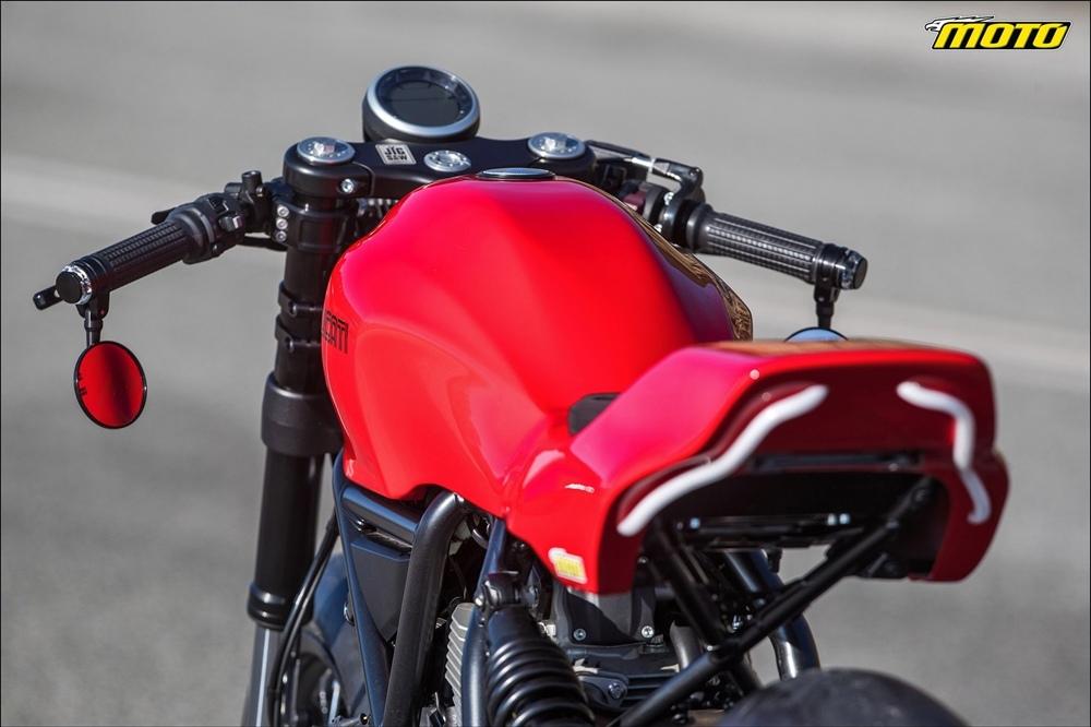 Jigsaw Customs:  трекер Scrambler Ducati 800