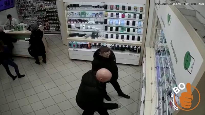 Кража в домодедовском салоне связи