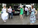Ловим моменты в перерывам между дождём и танцуем на весёлой свадьбе)))