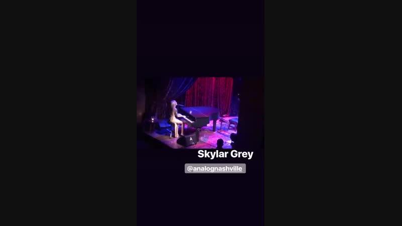 Skylar Grey - Be A Man live on the Analog At Hutton Hotel - omfg THIS IS SO GGGOOOOOOOOOOOD WTFFFF