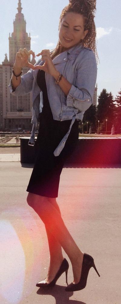 Виктория Суржанова