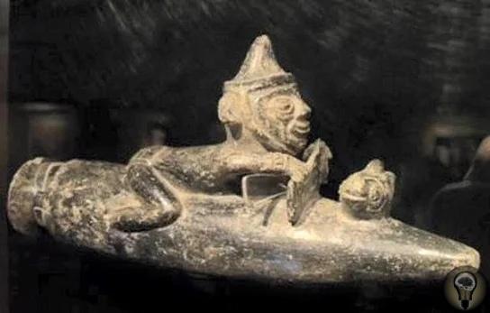 Артефакты, изображающие пришельцев. На одной из конференций в Германии были выставлены занятные экспонаты. Это были рукописи и артефакты древних индейцев Майя и ацтеков. На этих предметах очень