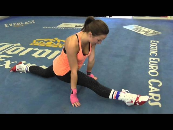 Super Flexable Pretty Boxer Does Splits EASY EsNews Boxing