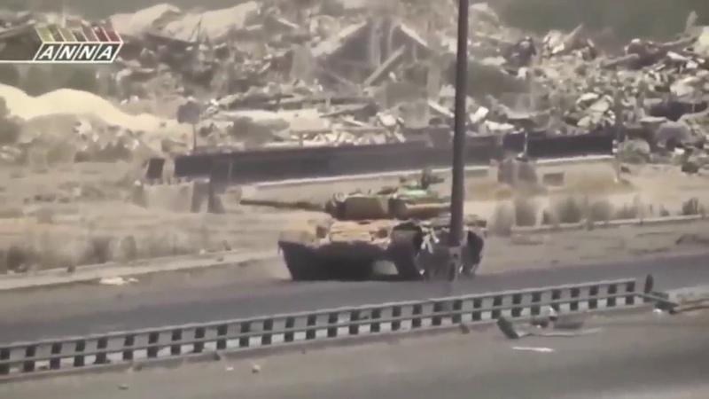 Грамотный танковый бой на Т 72 в Сирии