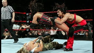WWE RAW 2006 Trish Stratus Ashley vsCandice Michelle Victoria