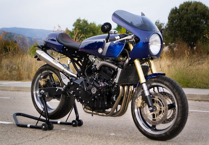 Three Stones Cycles: кафе рейсер Honda Hornet 600