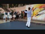 танцует Модем